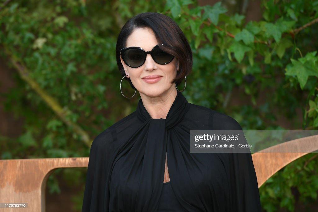 Christian Dior : Photocall -  Paris Fashion Week - Womenswear Spring Summer 2020 : Foto di attualità