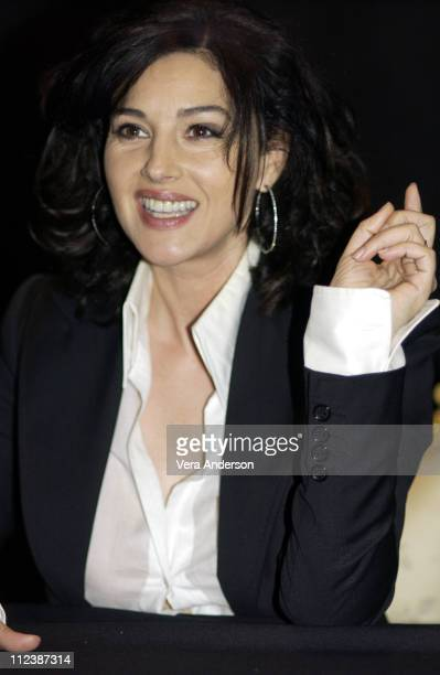 Monica Bellucci during The Matrix Reloaded Press Conference with Keanu Reeves Jada Pinkett Smith CarrieAnne Moss Laurence Fishburne Monica Bellucci...
