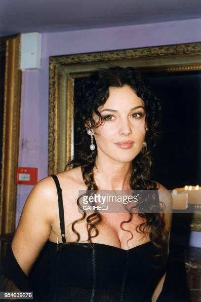 Monica Belluci le 9 mars 1999 à Paris France