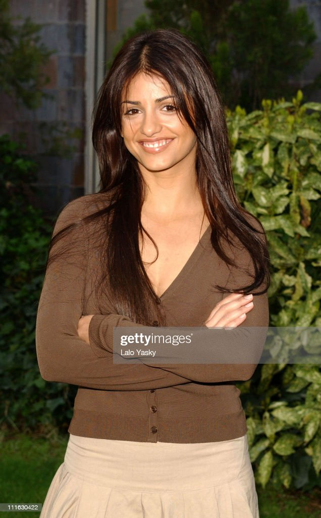"Monica Cruz Press Conference Announcing the End of Her TV Show ""Un Paso"