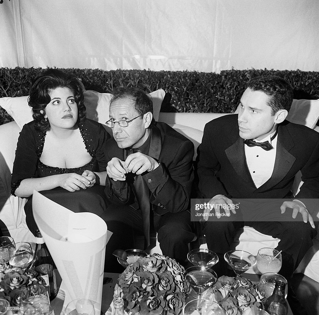 Vanity Fair Oscar Party - 1999, Vanity Fair, June 1, 1999 : News Photo