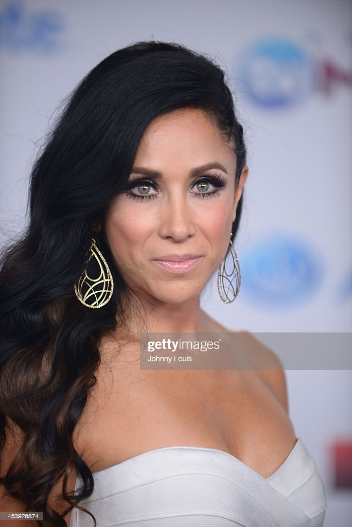 Monica Noguera arrives at Telemundo's Premios Tu Mundo Awards 2014 at American Airlines Arena on August 21, 2014 in Miami, Florida.