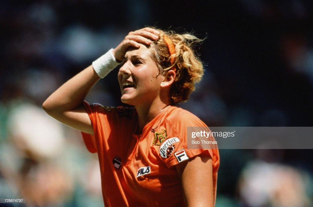Monica Seles Wins 1992 Australian Open : News Photo