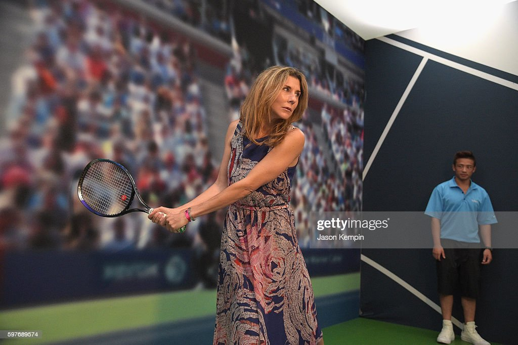 Monica Seles Surprises Fans Inside The American Express Pro Walk At The 2016 US Open : News Photo