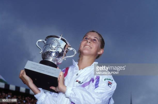 Monica Seles vainqueur du tournoi de tennis féminin de Roland Garros le 9 juin 1990 à Paris France