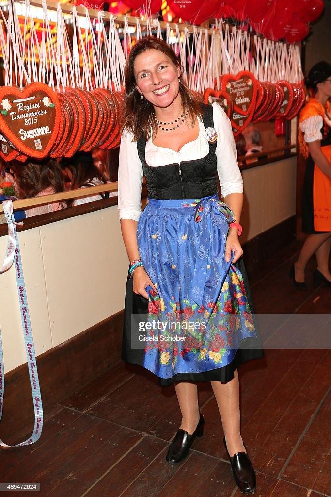 'Sixt Damen Wiesn' - Oktoberfest 2015 : Nachrichtenfoto