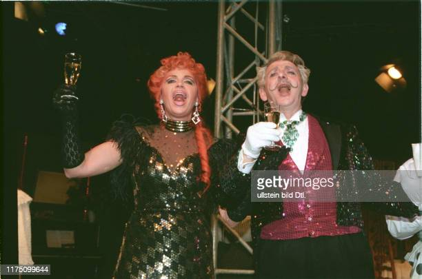 Monika Kaelin and Franz Lindauer performing Der schwarze Hecht 1997