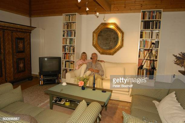 Wohnzimmer Fernseher Stock Photos And Pictures Getty Images