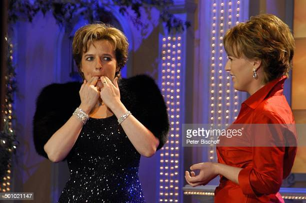 Monika Martin Moderatorin Andrea Ballschuh ZDFBenefizShow 'Winterwunderland' große Benefizgala zu Gunsten von 'Brot für die Welt' und 'Misereor'...