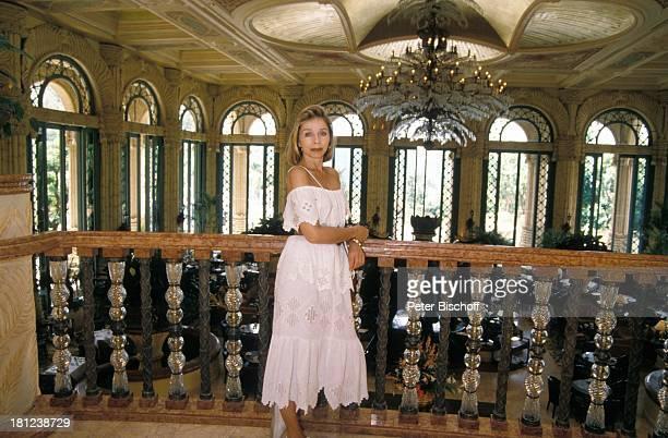 Monika Peitsch neben den Dreharbeiten zur PRO 7 Serie Glueckliche Reise Folge 17 Suedafrika Sun City/Bophutthatswana/SuedAfrika im Hotel Palace...