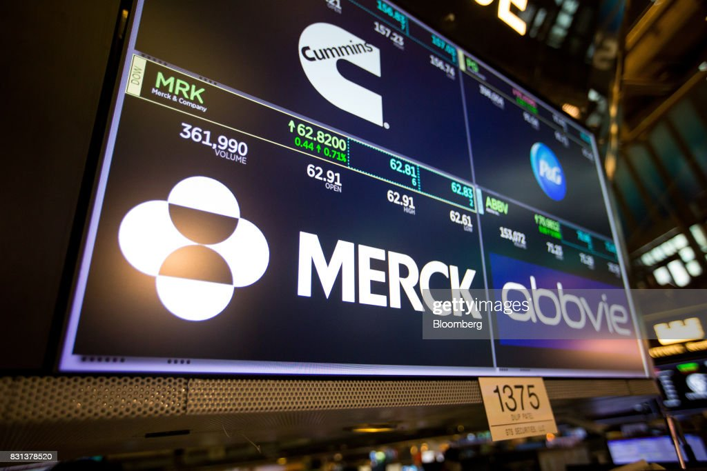 Trading On The Floor Of The NYSE As U.S. Stock Futures Rise : News Photo