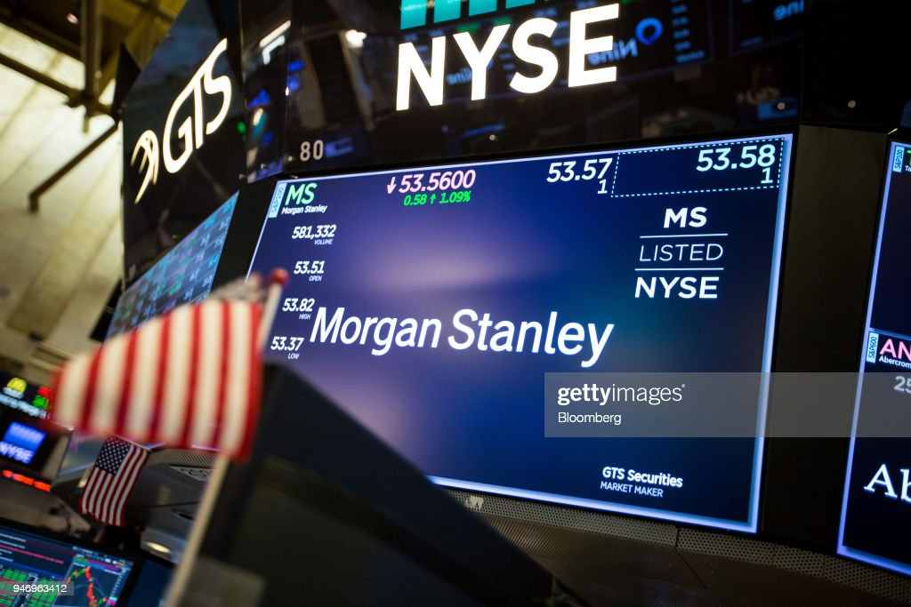 Trading On The Floor Of The NYSE While U.S. Stocks Advance, Bonds Fall As Earnings Eyed : News Photo