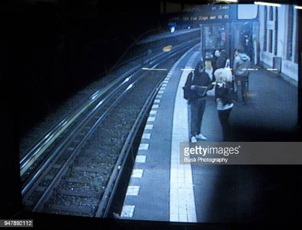 monitor of surveillance camera in subway station in berlin, germany - image photos et images de collection