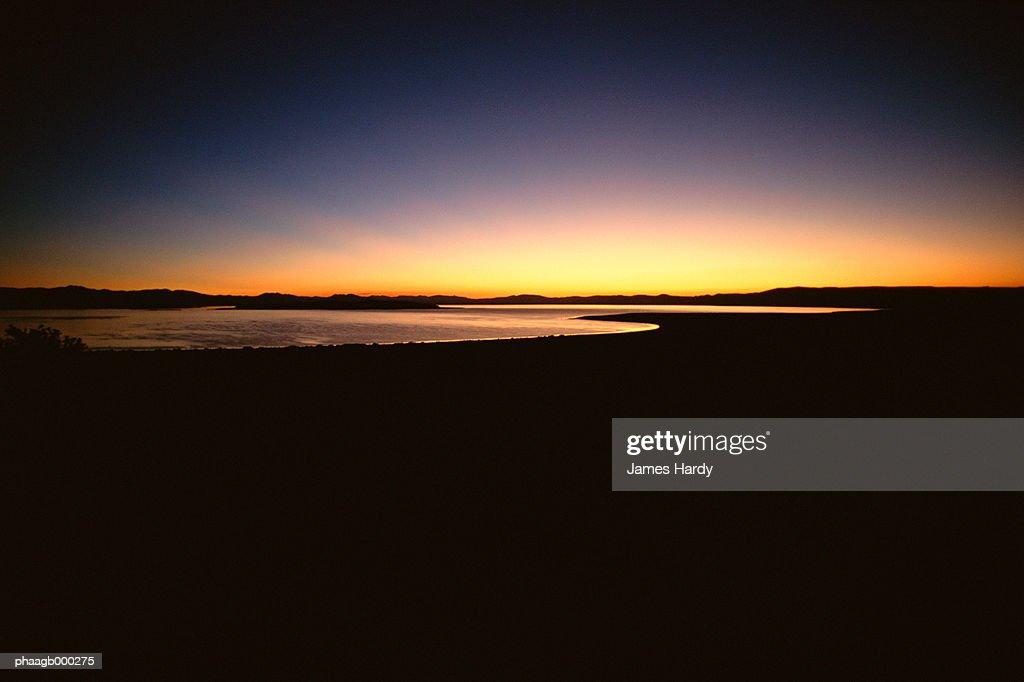 Mono Lake at sunrise : Stockfoto