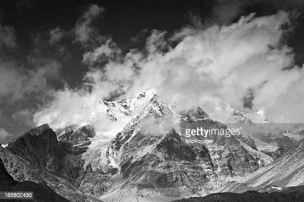 Monochrome mountain mist spectaculaires pics du glacier cloud