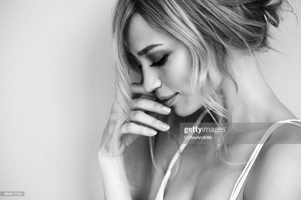 Monochrome portrait of beautiful girl : Stock Photo