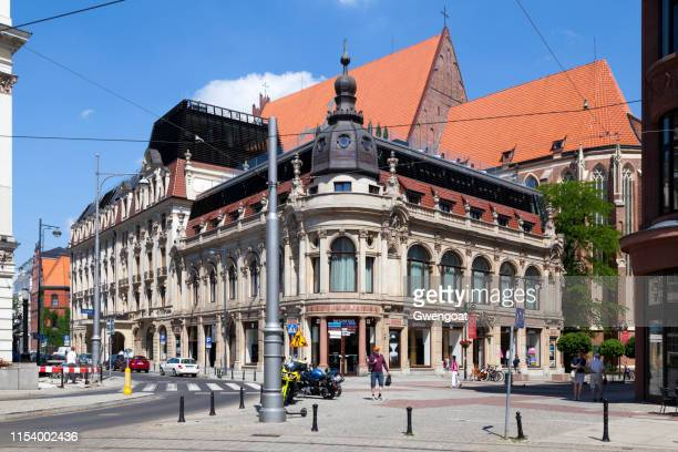 monopol hotel in wroclaw - gwengoat stock pictures, royalty-free photos & images