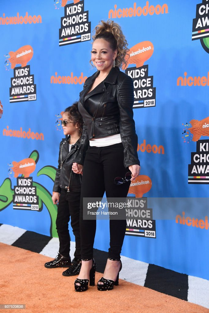monroe-cannon-and-mariah-carey-attend-nickelodeons-2018-kids-choice-picture-id937520636
