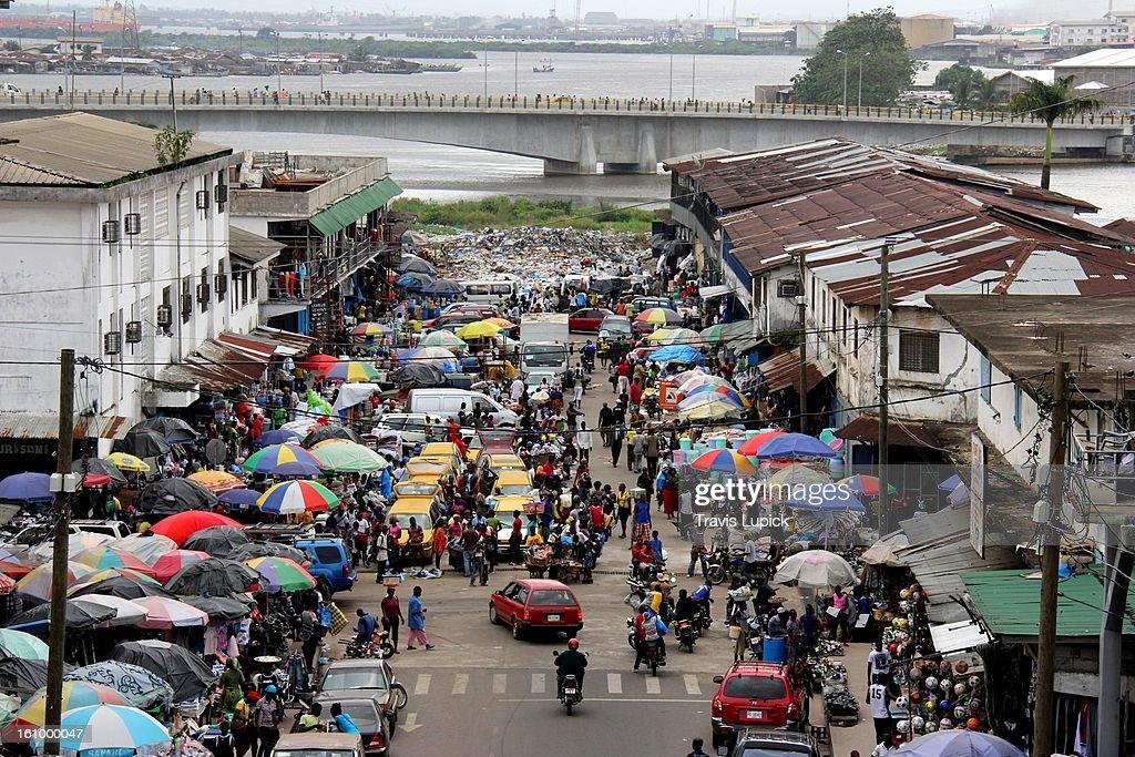 Monrovia's Waterside Market : Stock Photo