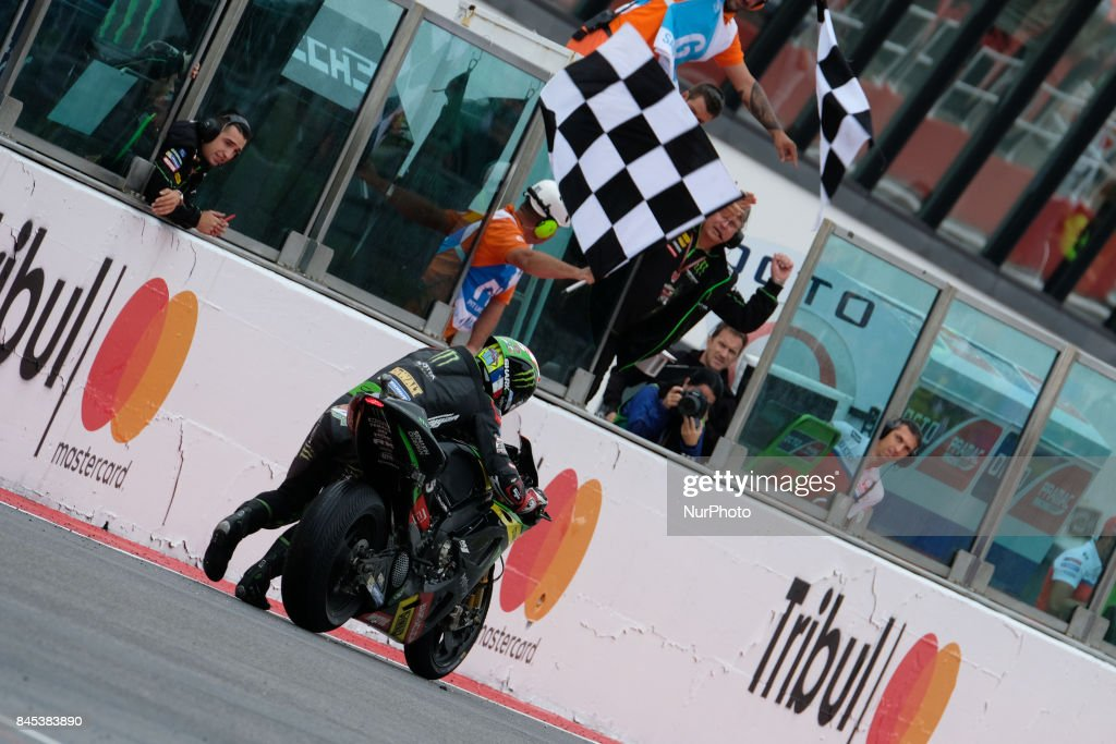 , Monster Yamaha Tech 3 Team, Yamaha YZR-M1 machine, Gran Premio Tribul Mastercard di San Marino e della Riviera di Rimini, pushes his bike to the finish line after a crash at the MotoGP Race at the Marco Simoncelli World Circuit for the 13th round of MotoGP World Championship, from September 8th to 10th 2017 at Misano Adriatico