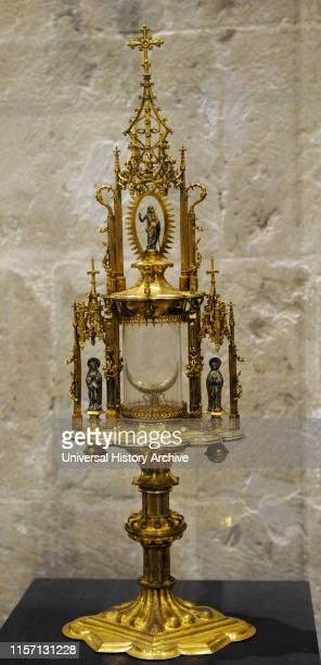 Monstrance from St Mary of the Assumption in Herzogenrath Aachen c 1510 Gilt copper glass Museum Schnutgen Cologne Germany