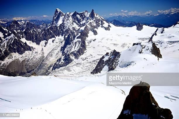 mont blanc massif - valle blanche fotografías e imágenes de stock