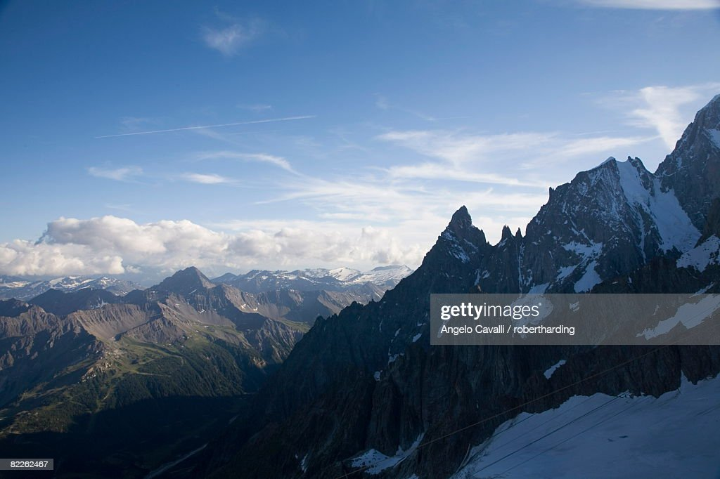 Mont Blanc on border of France and Italy, The Alps, Europe : Stock Photo