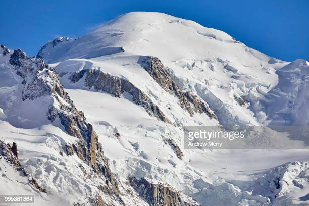 mont blanc summit, peak with blue, clear sky - pinnacle peak stock pictures, royalty-free photos & images
