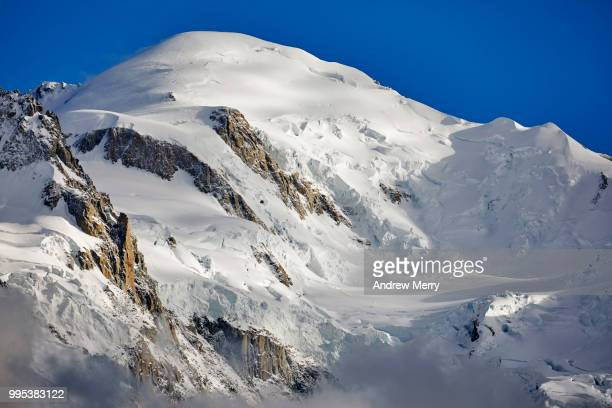mont blanc summit, peak with blue sky - pinnacle peak stock pictures, royalty-free photos & images