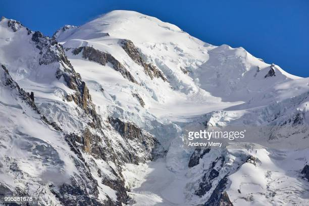 mont blanc summit, peak with clear blue sky - pinnacle peak stock pictures, royalty-free photos & images
