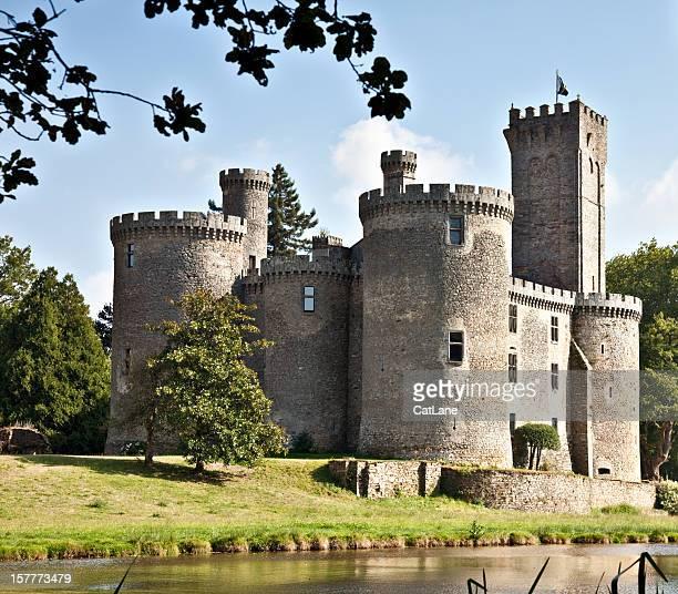 mont bron castle, france - kasteel stockfoto's en -beelden