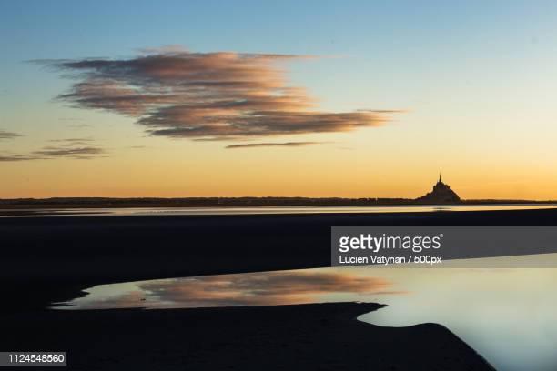 mont saint michel france - cotentin photos et images de collection