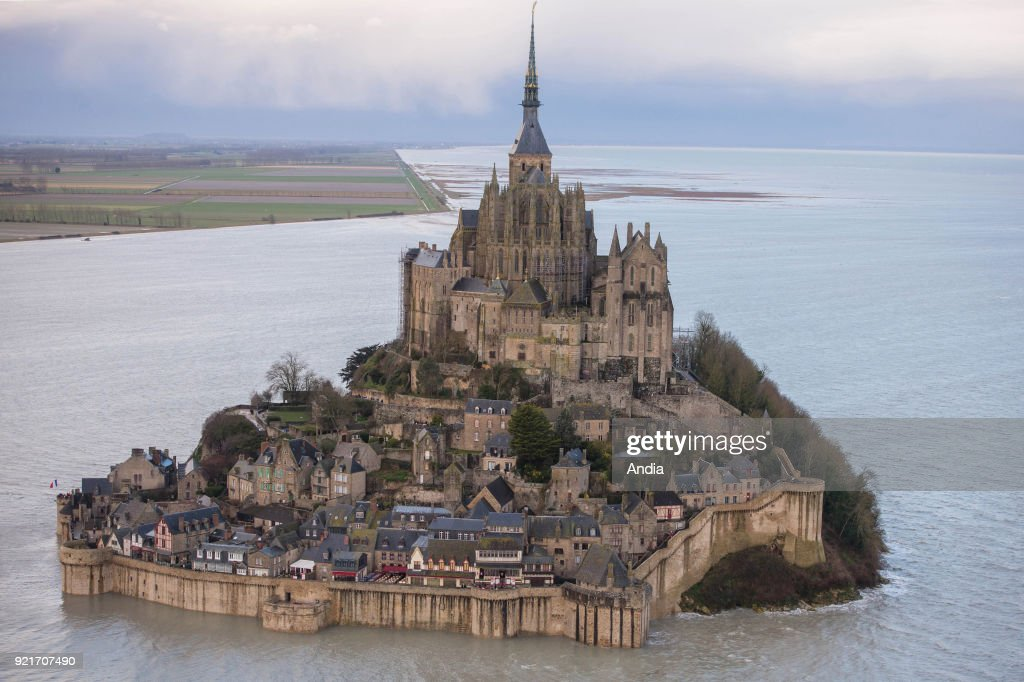 Aerial view of Le Mont Saint-Michel. : News Photo