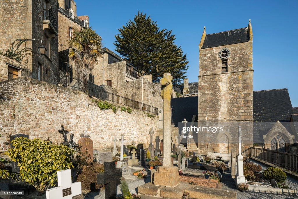Le Mont Saint-Michel, the cemetery. : News Photo