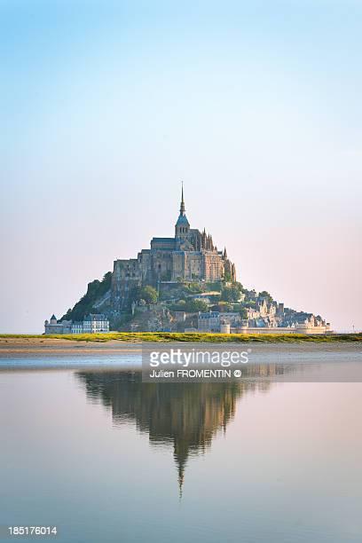 mont saint-michel, normandy - モンサンミッシェル ストックフォトと画像