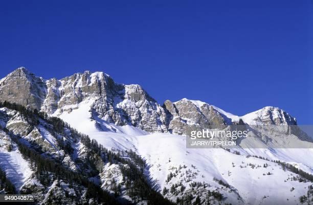 montagne vers SaintVeran vallee de l Aigue Blanche Parc Naturel Regional du Queyras departements des HautesAlpes region AlpesProvenceCote d Azur...
