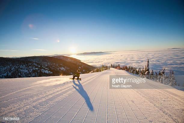 usa, montana, whitefish, tourist on ski slope - snowboard fotografías e imágenes de stock