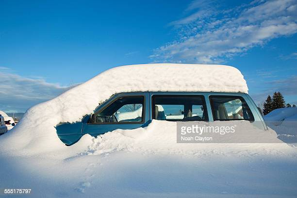 USA, Montana, Whitefish, View of snowcapped car