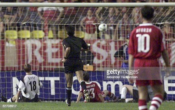 CUP 2001 FINALE Monte Carlo FC BAYERN MUENCHEN FC LIVERPOOL TOR zum 01 durch RIISE/LIVERPOOL