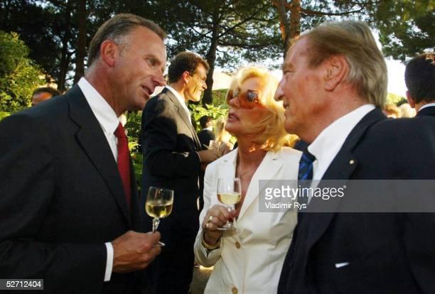DINNER 2002 Monte Carlo KarlHeinz RUMMENIGGE DFB PRAESIDENT Gerhard MAYERVORFELDER mit seiner Frau Margit