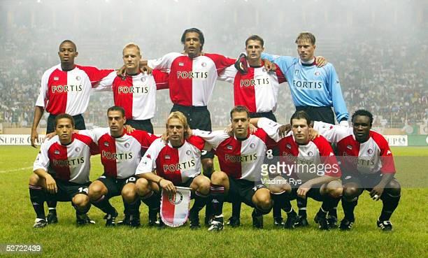 CUP 2002 Monte Carlo REAL MADRID FEYENOORD ROTTERDAM 31 hintere Reihe vlnr Bonaventure KALOU Tomasz RZASA Pierre VAN HOOIJDONK Kees VAN WONDEREN...