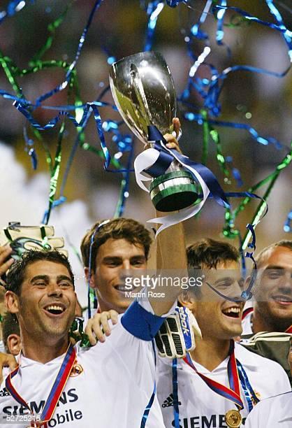 CUP 2002 Monte Carlo REAL MADRID FEYENOORD ROTTERDAM 31 SUPER CUP 2002 SIEGER REAL MADRID JUBEL Fernando HIERRO