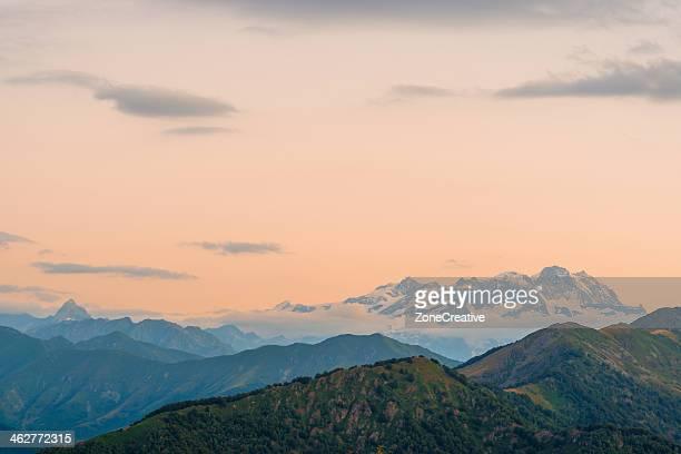 monte rosa massif - ビエラ ストックフォトと画像