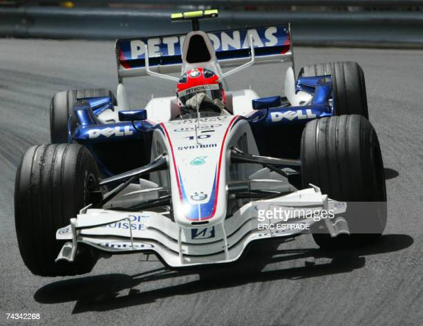 Polish BMWSauber driver Robert Kubica drives at the Monaco racetrack 27 May 2007 in Monte Carlo during the Monaco Formula One Grand Prix Spanish...