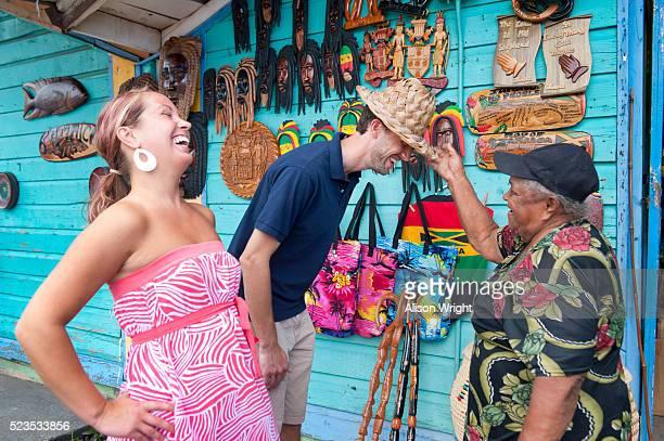 montego bay, jamaica. newlywed couple - jamaica stockfoto's en -beelden