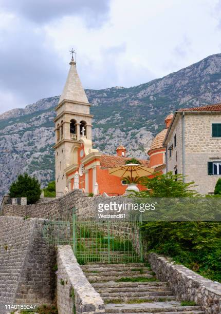 montenegro, bay of kotor, dobrota, church sveti mateja - montenegro photos et images de collection