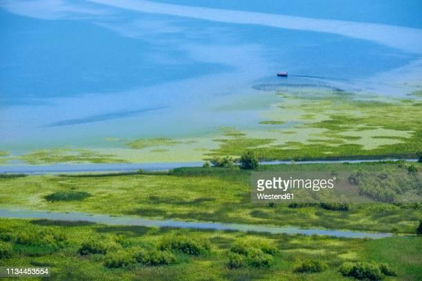 montenegro, lake skadar near virpazar - montenegro photos et images de collection