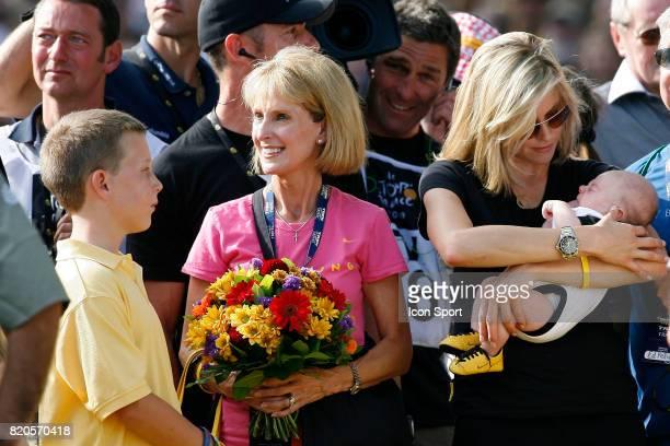 Luke ARMSTRONG / Linda ARMSTRONG / Anna HANSEN / Max ARMSTRONG Tour de France 2009 Etape 21 Montereau / Paris