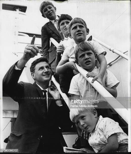 Monterey Arrives Dr Phipps points at the University of Sydney January 14 1966