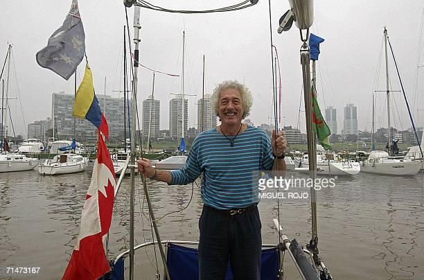 ACOMPANA NOTA El uruguayo Eduardo Rejduch sonrie mientras posa en su velero en el Puerto del Buceo en Montevideo el 18 de mayo de 2006 Rejduch es un...